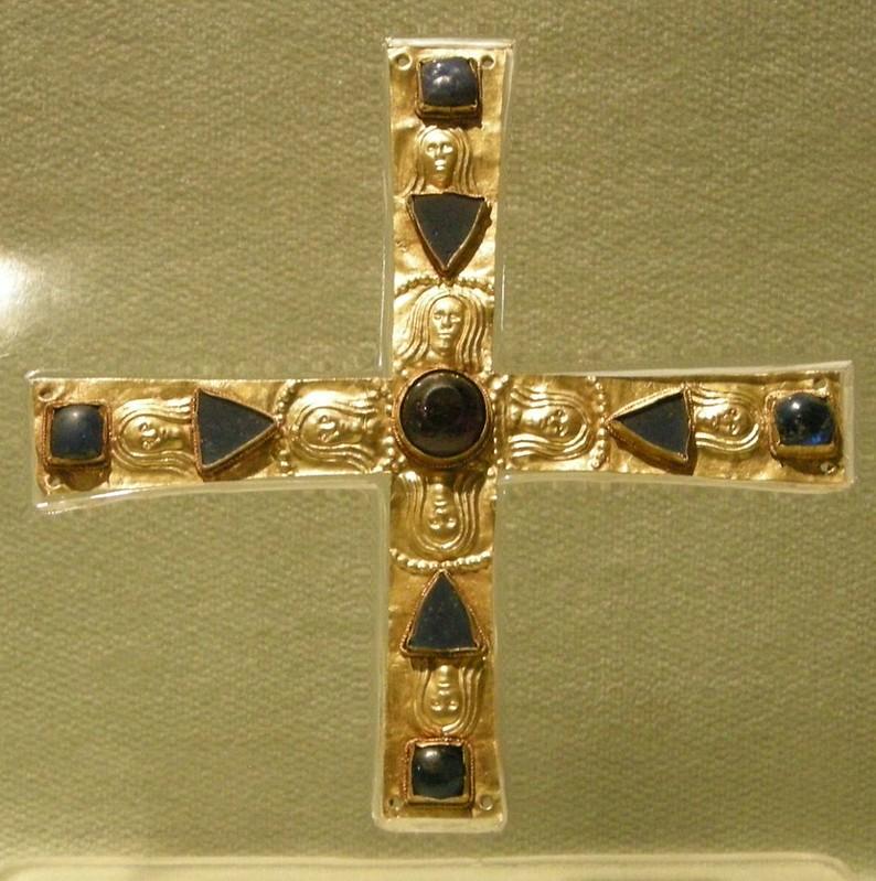 54 Крест Гизульфа из лангобардского захоронения VI-VII в