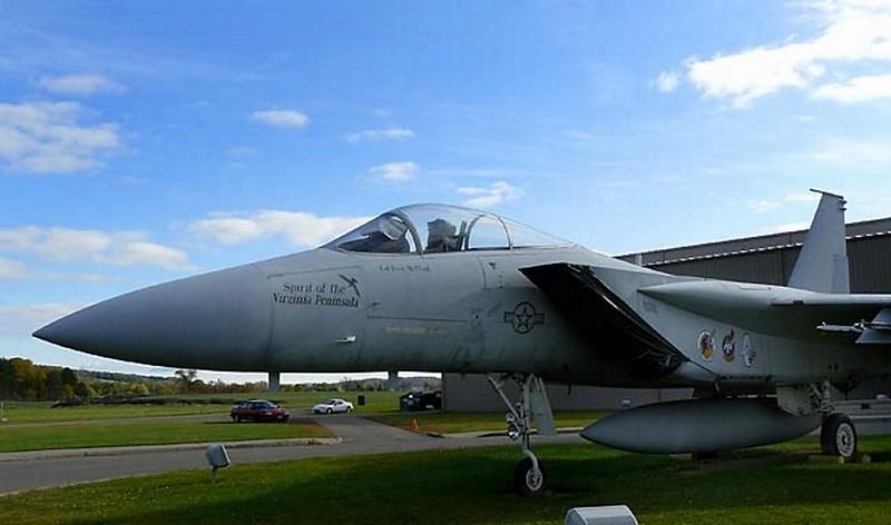 McDonnell Douglas F-15B Eagle 2