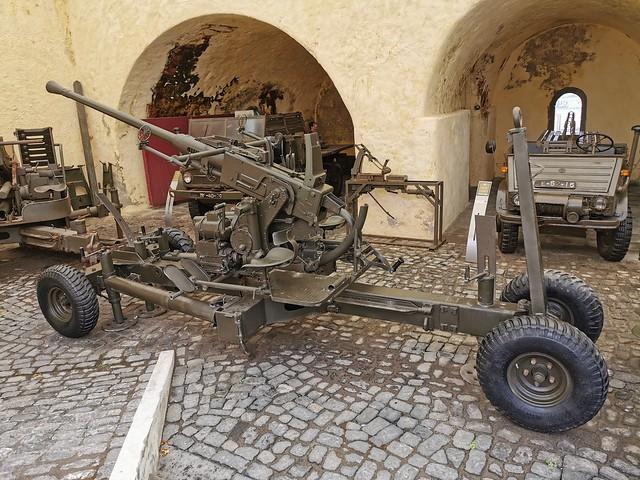 Vehiculo con armas Museo Militar Forte de Sao Bras Ponta Delgada Isla San Miguel Azores Portugal 08