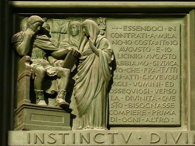 08 Миланский эдикт Рельеф Миланского собора