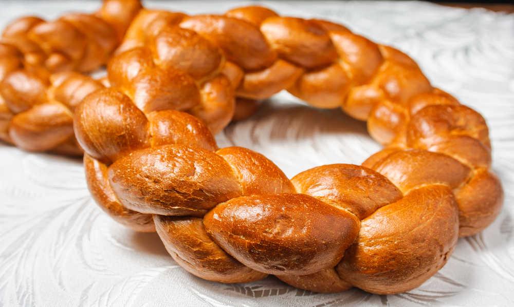 Romanian Cuisine: Kalach