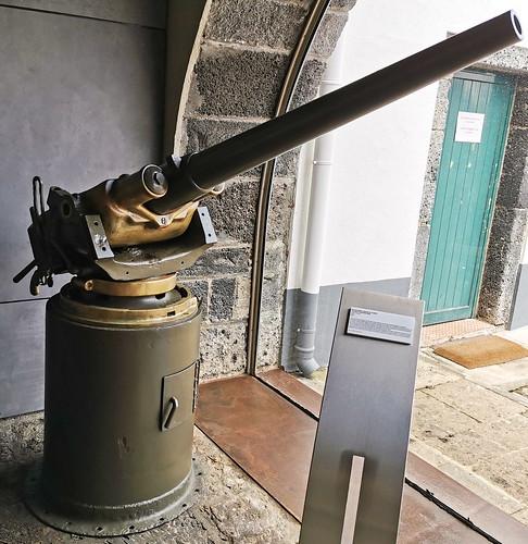 arma de fuego Museo Militar Forte de Sao Bras Ponta Delgada Isla San Miguel Azores Portugal 08