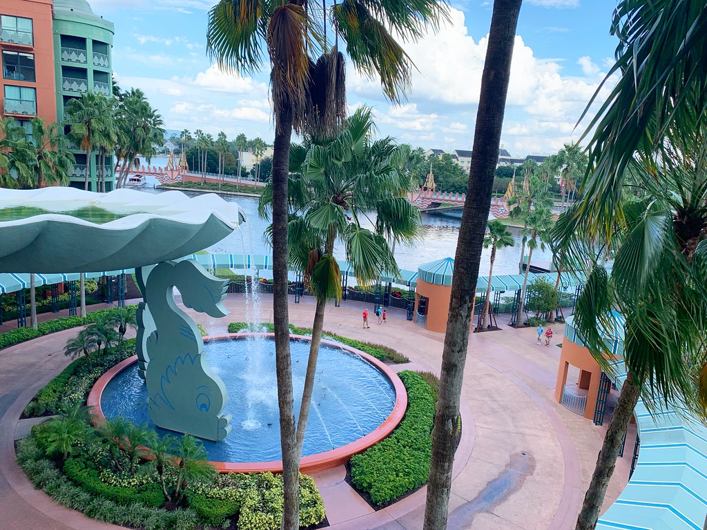 7 Reasons To Stay At The Walt Disney World Swan And