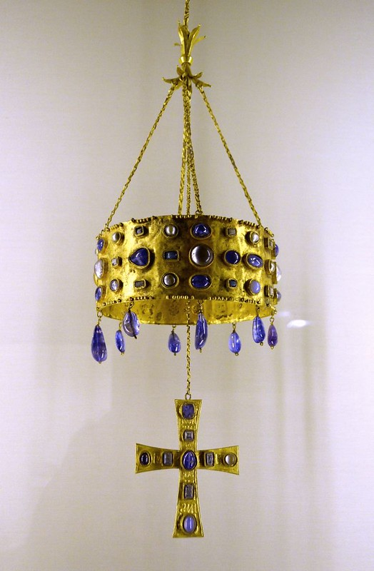 34 Вестготская вотивная корона VII в. Музей Клюни Париж