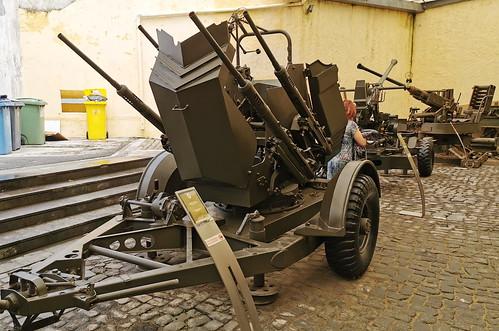Vehiculo con armas Museo Militar Forte de Sao Bras Ponta Delgada Isla San Miguel Azores Portugal 04