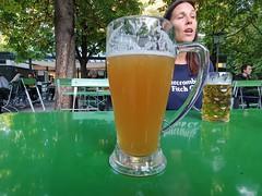 Drinking a Hofbräu Münchner Weisse / Münchner Kindl / Hefe Weizen by Staatliches Hofbräuhaus München