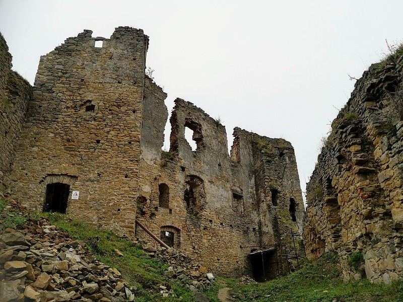 Zborov castle ruins