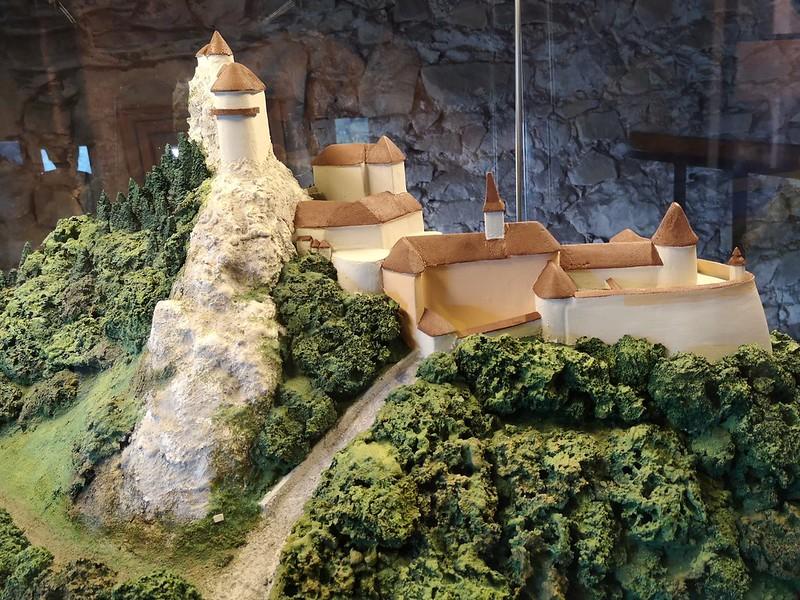 Pienoismalli Orava linna