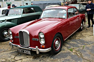 023 Alvis TE21 Sports Saloon (1964)