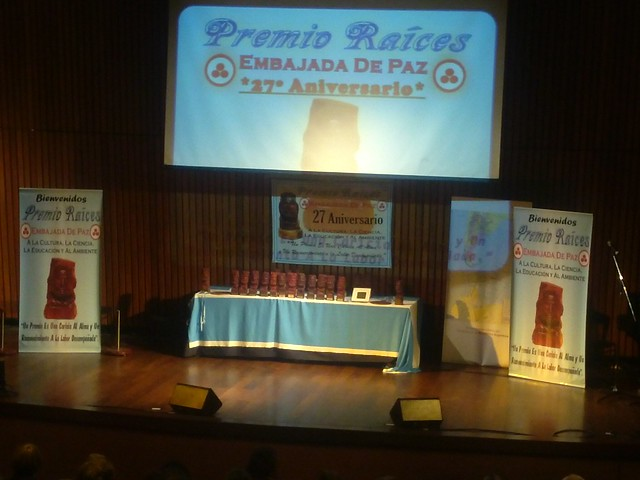 Argentina-2016-05-16-UPF Honored at Awards Ceremony in Argentina