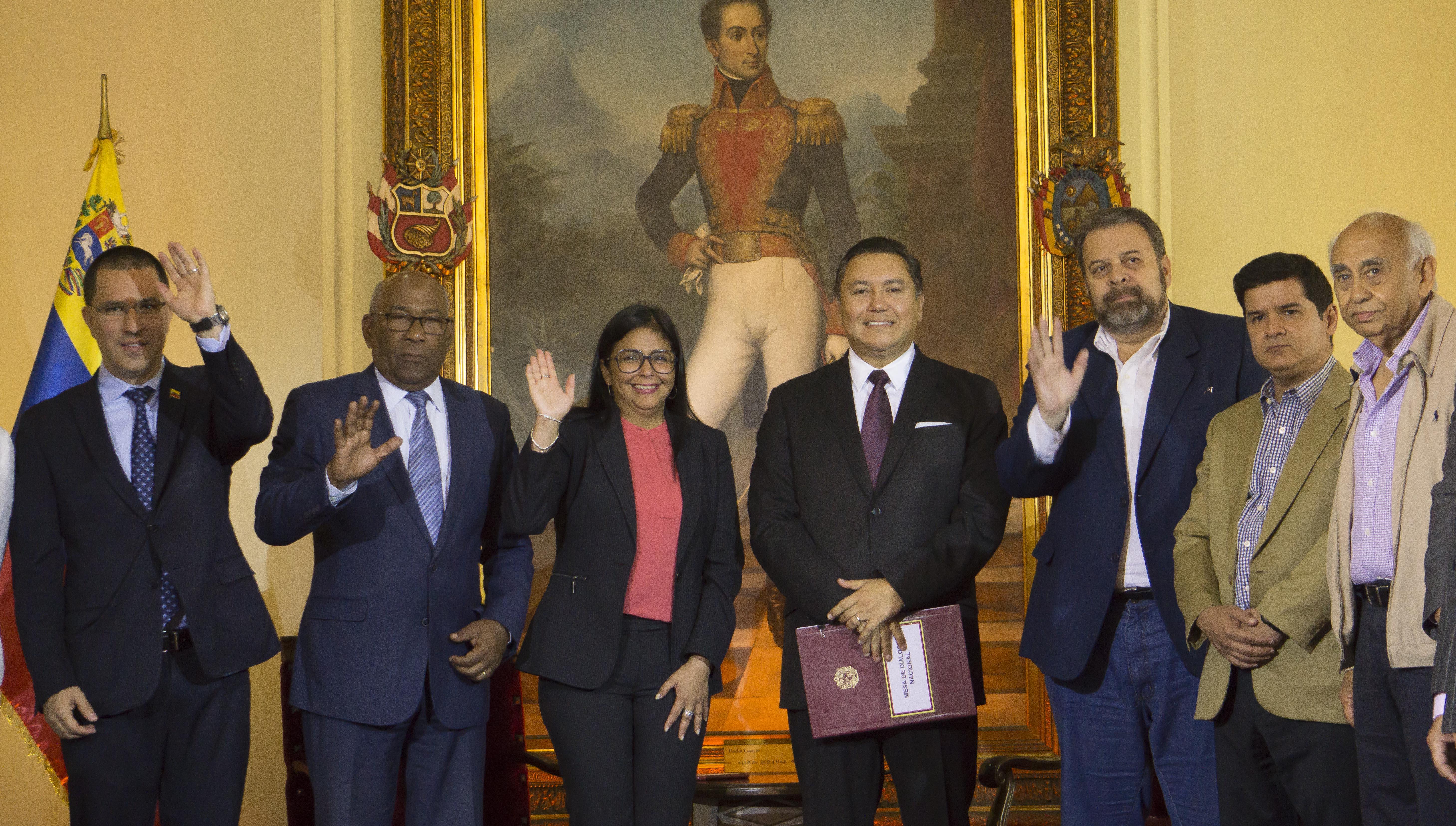 Excandidato presidencial Javier Bertucci se adhiere a acuerdo entre Gobierno y oposición en Venezuela