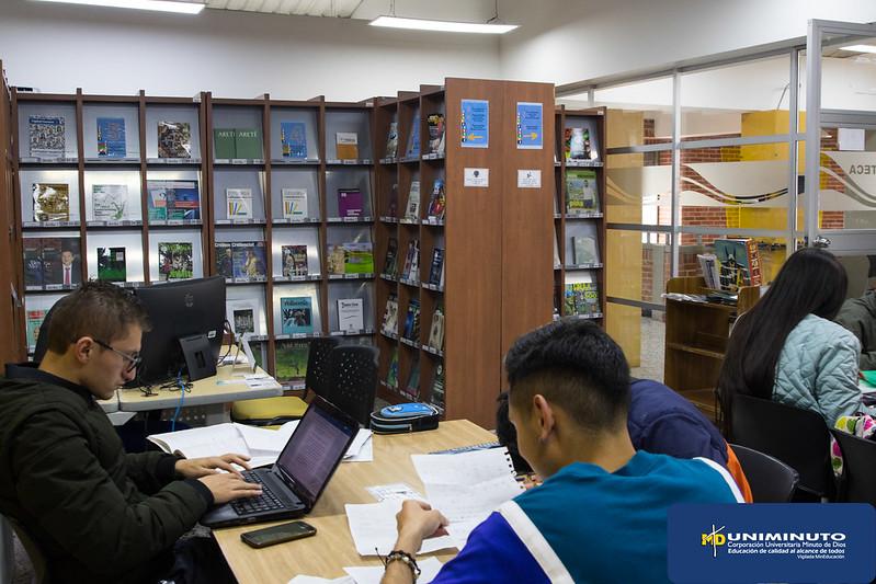 Nueva sala de Literatura Biblioteca