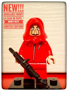 NEW! Limited edition!!! Custom minifigure  La Casa de Papel / Money Heist Hurry!!!