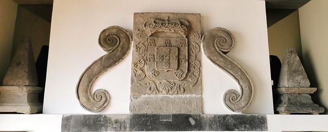 Escudo del Comando Militar de Azores Museo Militar Forte de Sao Bras Ponta Delgada Isla San Miguel Azores Portugal 01
