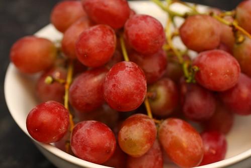 grapes_40d_flash_jpg