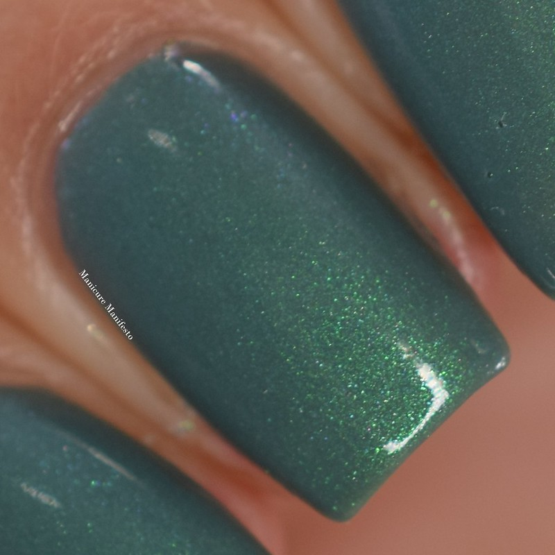 Bees Knees Lacquer Undertow swatch
