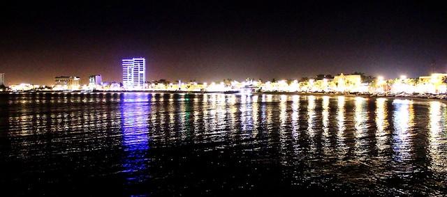 Bahía de Mazatlán de Noche/Mazatlan Bay at Night.