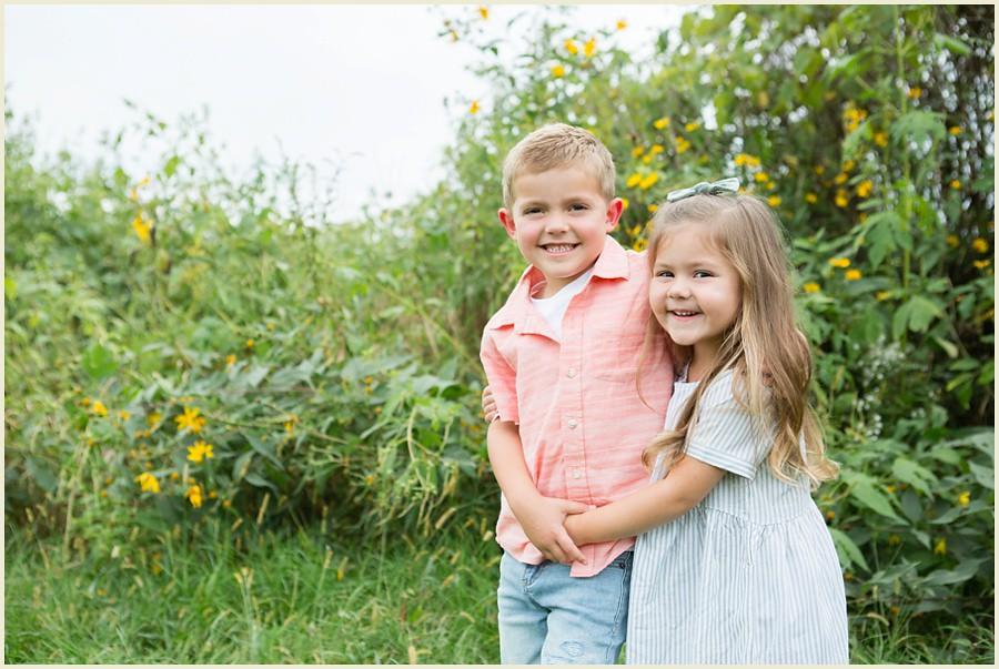 jenmadiganphotography-iowacityfamilyphotographer-clevelandfamilyphotographer-shakerheightsphotographer-iowafamilyphotographer-wilsonsorchardphotosession-02