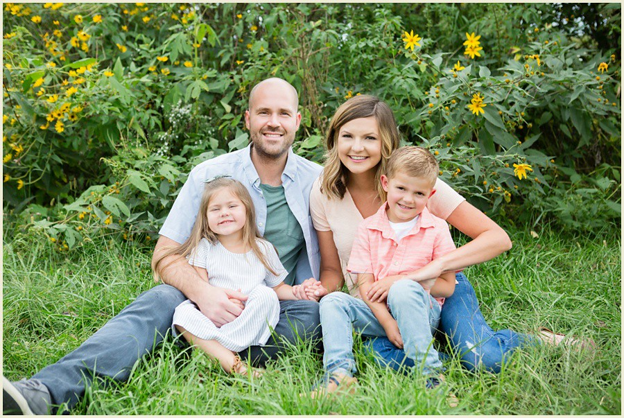 jenmadiganphotography-iowacityfamilyphotographer-clevelandfamilyphotographer-shakerheightsphotographer-iowafamilyphotographer-wilsonsorchardphotosession-01