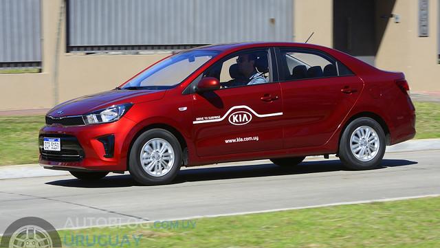 Prueba Kia Soluto EX Plus 1.4 M/T