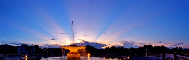 Glorieta y Rayos Crepusculares/Roundabout with Crepuscular Rays.