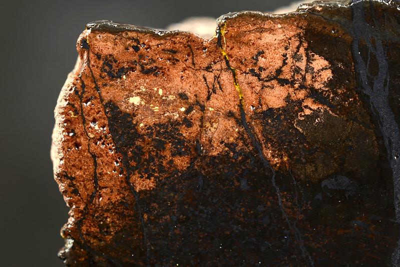 マンガノパンペリー石 / Pumpellyite-(Mn)