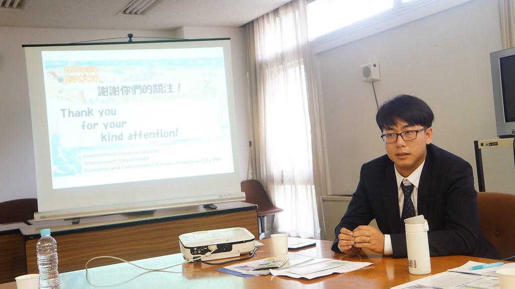 台灣綠黨這集人劉崇顯特別針對尼崎市的「大規模家庭能源管理系統」(Home Energy Management System;HEMS) 深入請益