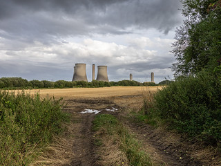 Didcot A last day of last three towers
