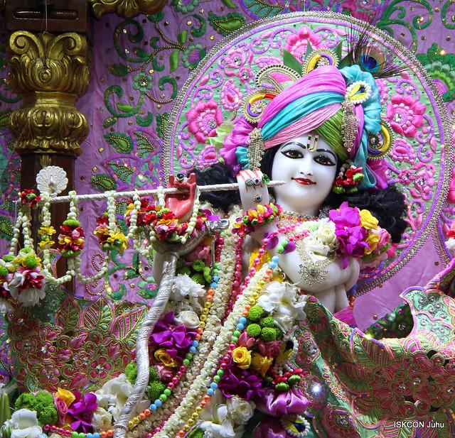 ISKCON Juhu Sringar Deity Darshan on 19th Sep 2019