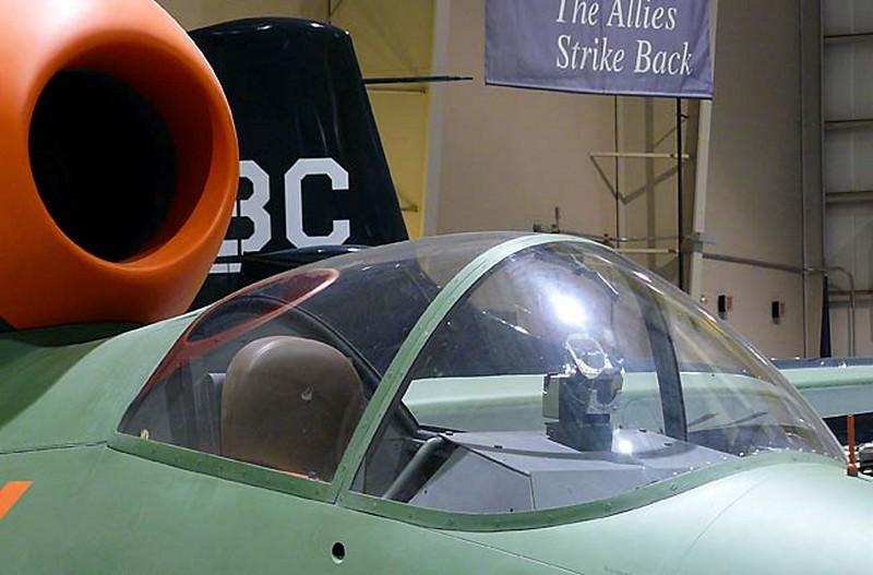 Heinkel HE-162オオサンショウウオ4