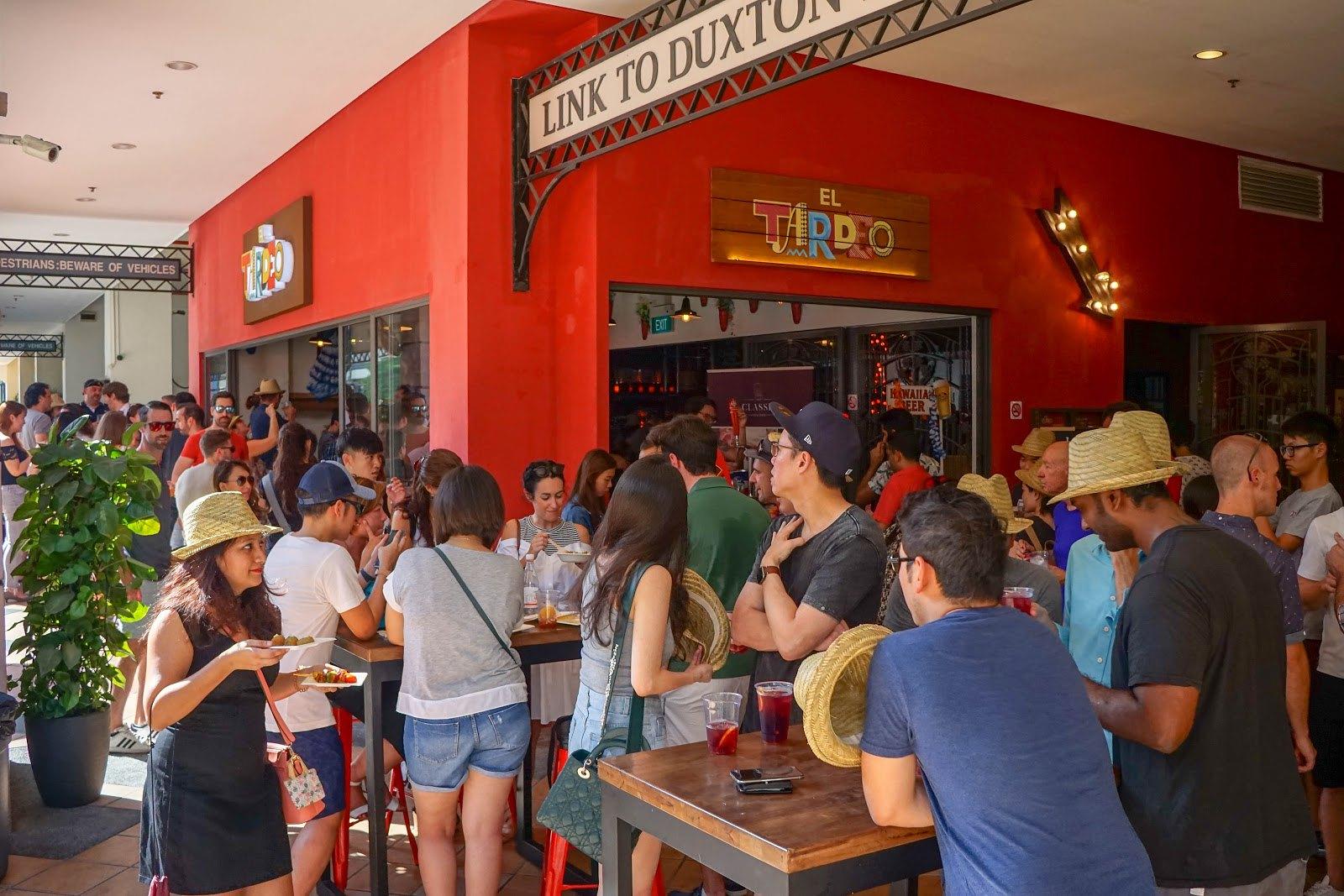 世界海鲜饭日 - 队列在厄尔尼诺Tardeo