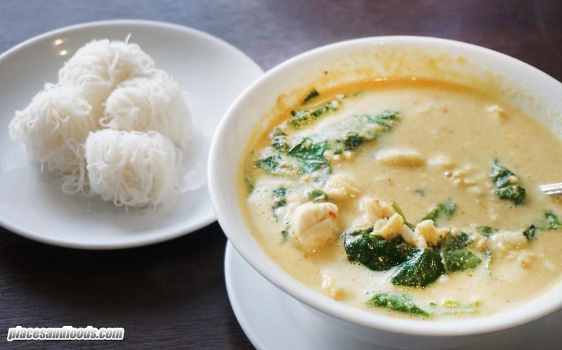 phuket city one chun curry crab