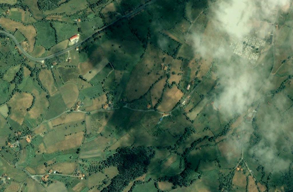 grado (oeste), asturias, mi rotonda sí es la más inútil de todo asturias, antes, urbanismo, planeamiento, urbano, desastre, urbanístico, construcción