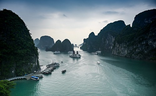 Hang Sung Sot Viewpoint at Ha Long Bay