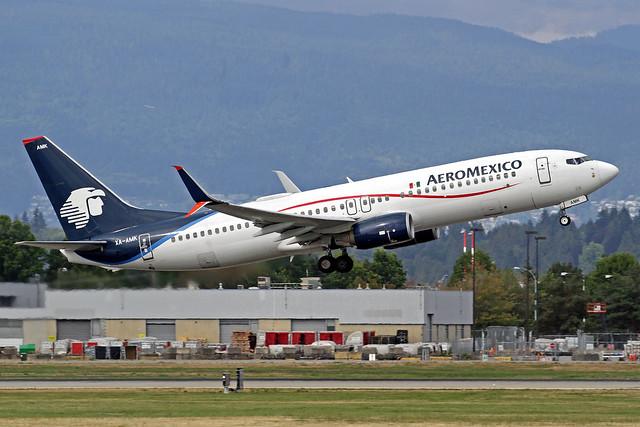 AeroMexico Boeing 737-852 XA-AMK YVR 31-08-19