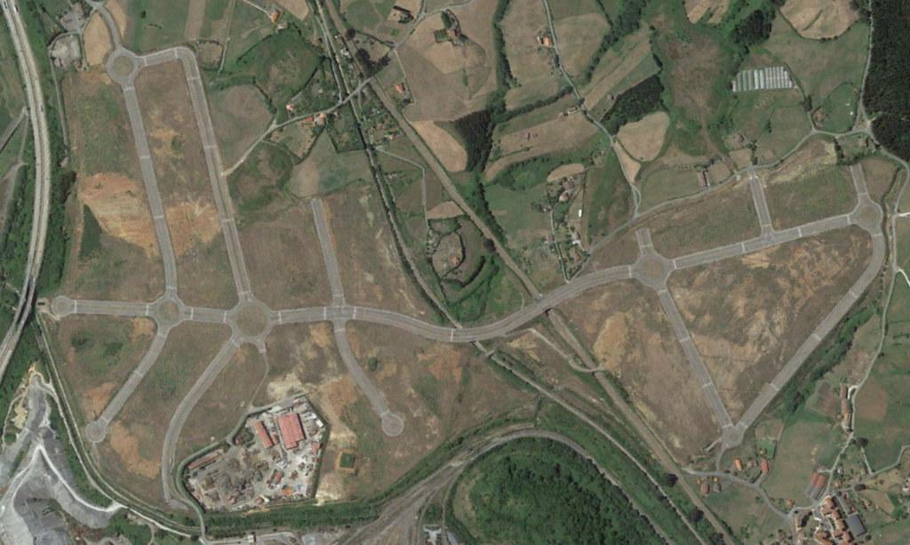 zalia, asturias, lo logístico es muy rotondo, después, urbanismo, planeamiento, urbano, desastre, urbanístico, construcción, rotondas, carretera