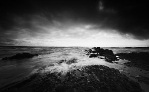 spanishpoint coclare republicofireland atmosphere atlanticocean wildatlanticway coastal coast clouds rocks seascape monochrome blackandwhite qthompson marumidhgcpl leefilters