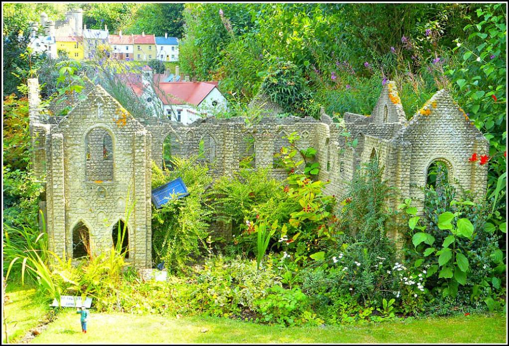 Abbey Ruins ( Model )