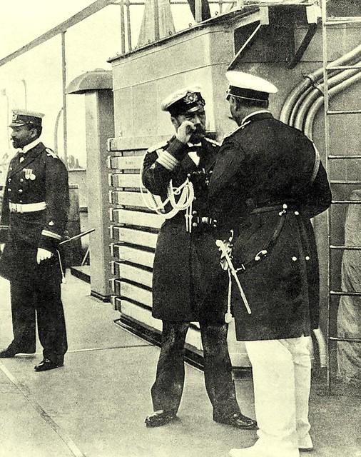 Кайзер Вильгельм II и император Николай II беседуют на борту сторожевого корабля «Берлин» в заливе Бьёрке