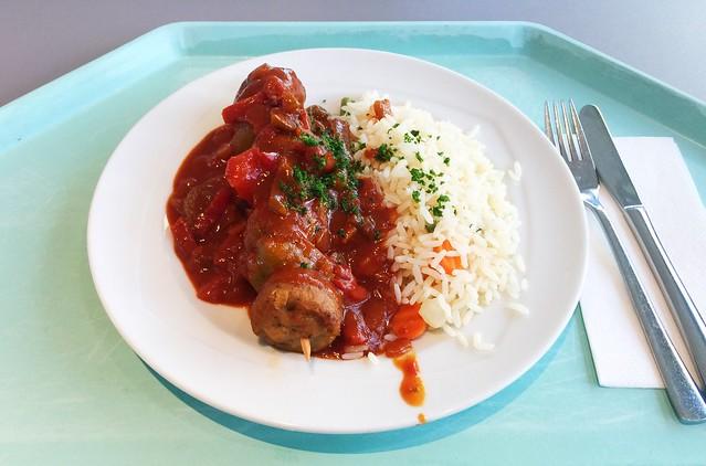 Mincemeat shashlik with bell pepper sauce & rice / Hackfleischspieß mit Zigeunersauce & Reis