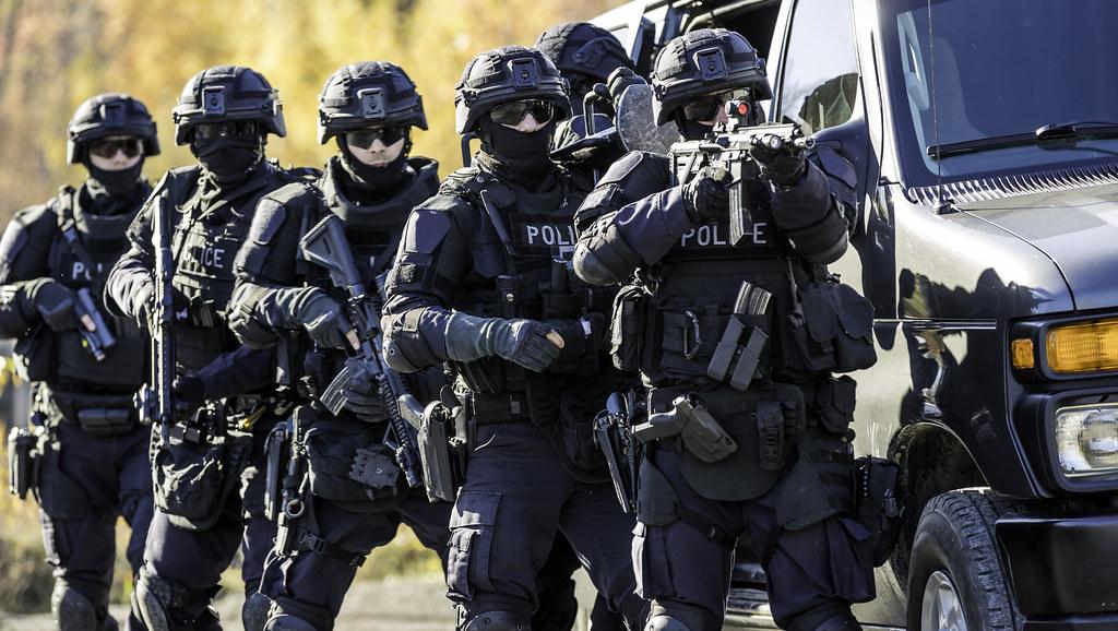 Police swot team (credit: Onfokus)