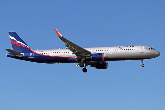 VQ-BTU  -  Airbus A321-211 (SL)  -  Aeroflot  -  LHR/EGLL 19/9/19