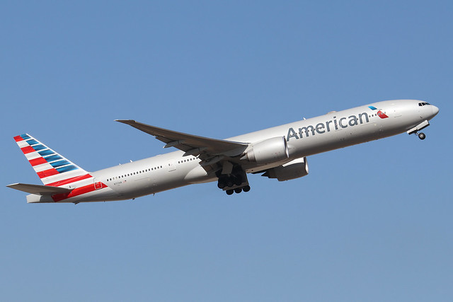 N717AN  -  Boeing 777-323(ER)  -  American Airlines  -  LHR/EGLL 19/9/19