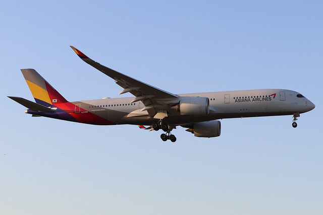 HL8308  -  Airbus A350-941  -  Asiana Airlines  -  LHR/EGLL 19/9/19