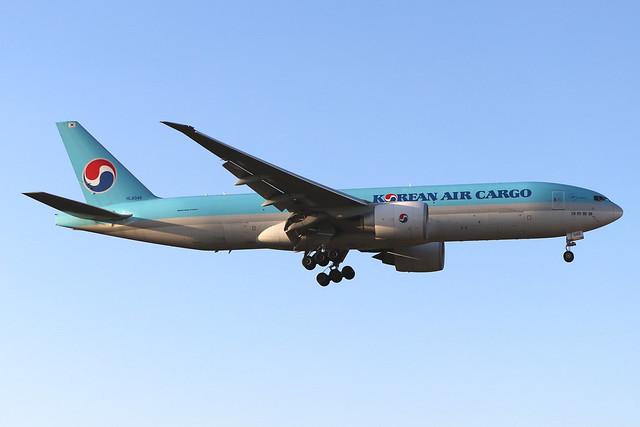 HL8046  -  Boeing 777-FB5  -  Korean Air Cargo  -  LHR/EGLL 19/9/19