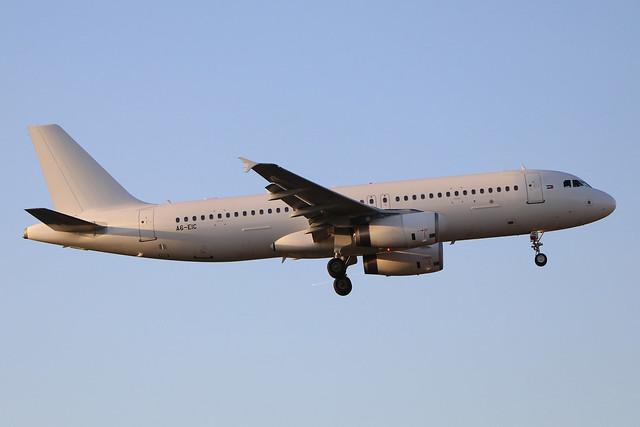 A6-EIC  -  Airbus A320-232  -  Ethiad Airways  -  LHR/EGLL 19/9/19