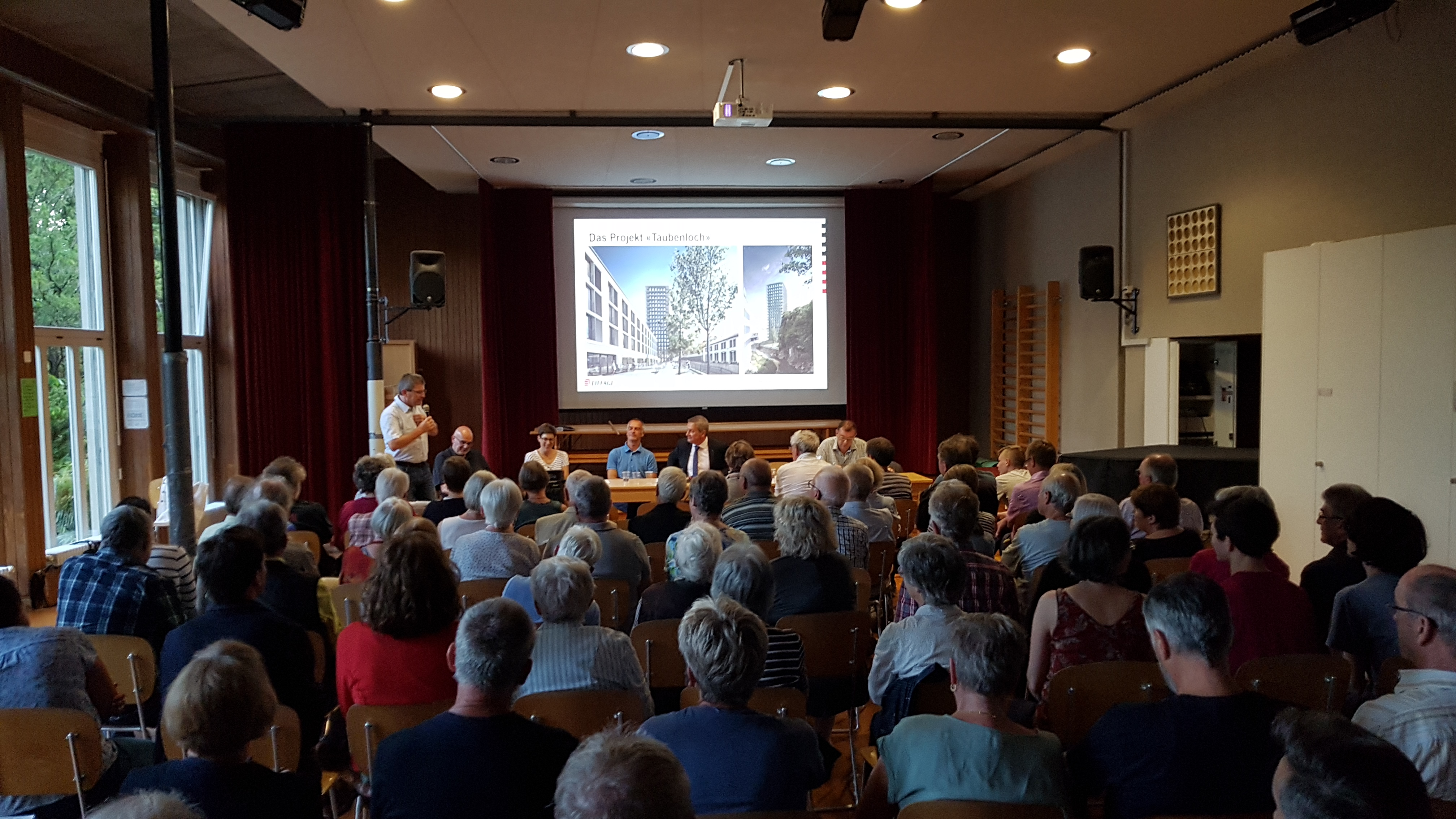 Manifestation d'information des bâtiments au Taubenloch