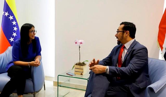 Venezuela y Trinidad y Tobago revisaron relaciones bilaterales de amistad y cooperación