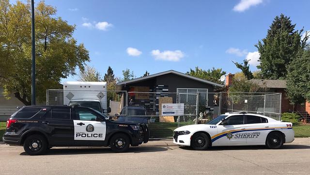 Sheriffs in Calgary close drug house