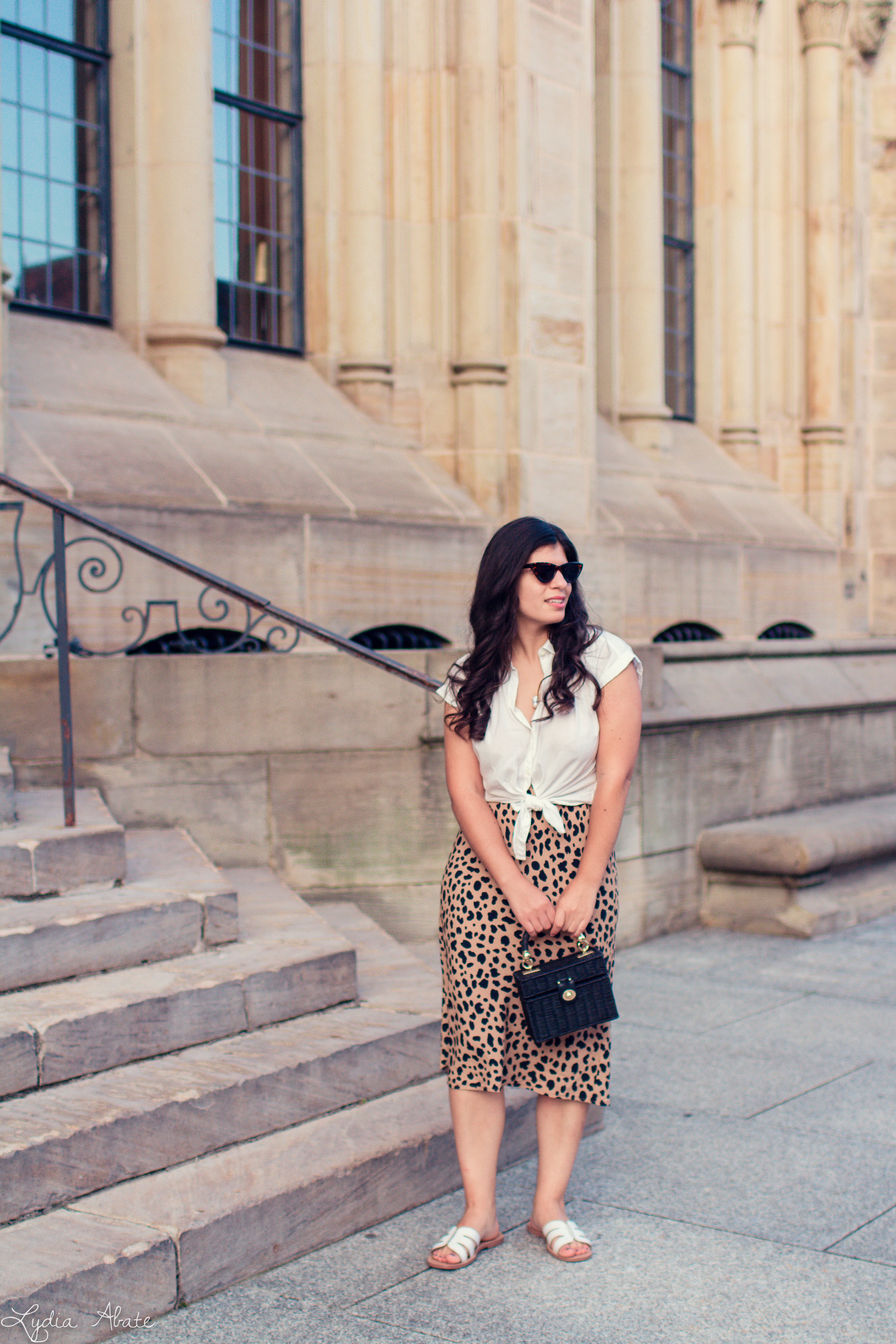 leopard midi skirt, knotted button down, straw box bag-13.jpg